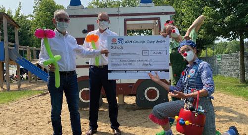 KSM spendet 2.700 Euro für die Clinic Clowns Hannover e. V.